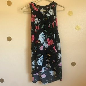 Old Navy Floral Tank. Size M.